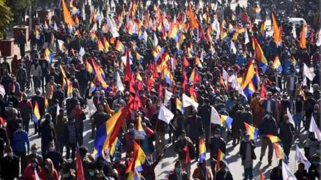 नेपाल में हिंदू राष्ट्र और राजशाही के लिए प्रदर्शन, सड़क पर उतरे हजारों लोग
